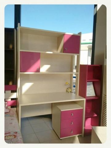 παιδικό γραφείο βιβλιοθήκη κορίτσι
