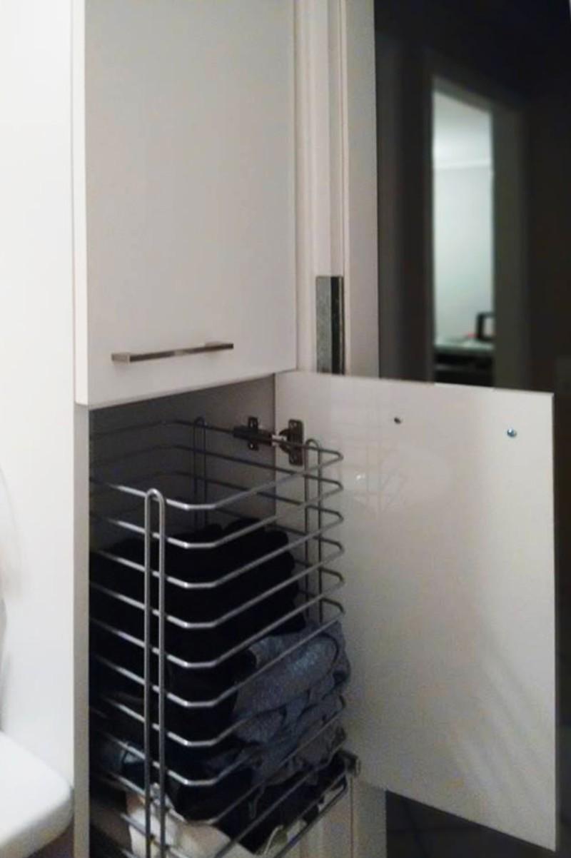 ντουλάπι μπάνιου ανασυρόμενο για άπλυτα