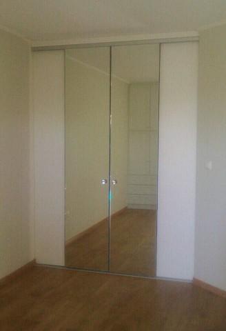 δίφυλλη συρόμενη ντουλάπα με καθρέπτη