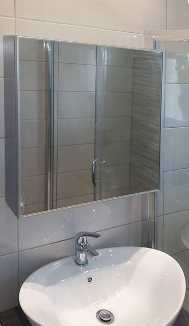 έπιπλο μπάνιου με καθρέπτη
