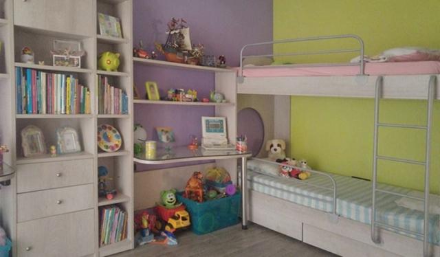 ολοκληρωμένο παιδικό δωμάτιο γραφείο βιβλιοθήλη και παιδική κουκέτα