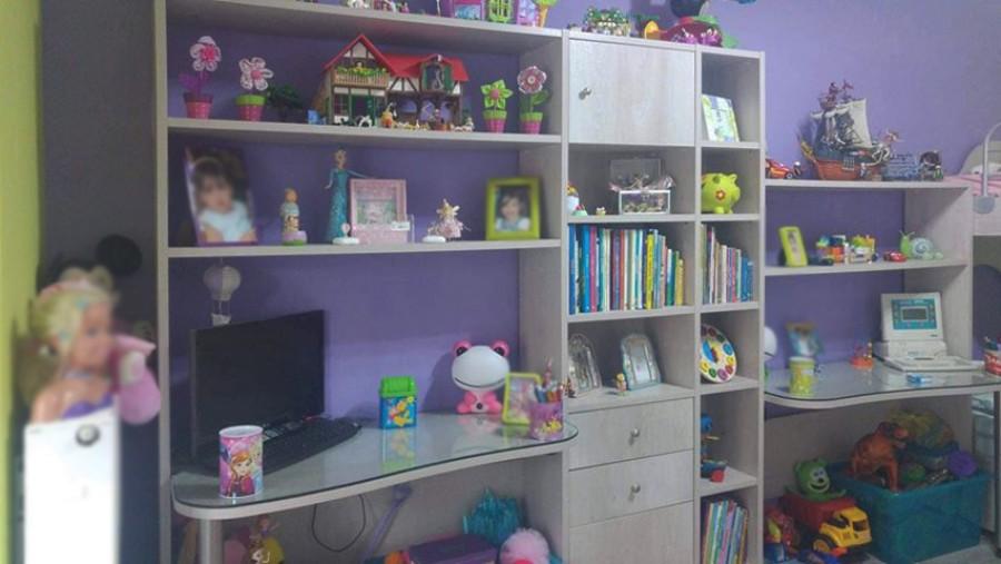 παιδικό γραφείο με βιβλιοθήκη ραφιέρα και ντουλάπια