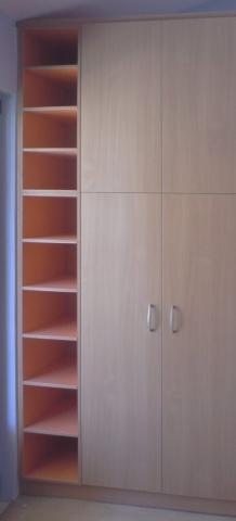 δίφυλλη ανοιγόμενη ντουλάπα μελαμίνης με ενσωματωμένη ραφιέρα