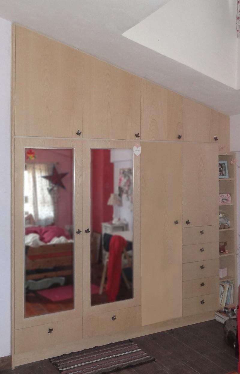 πεντάφυλλη ντουλάπα μελαμίνης με καθρέπτες