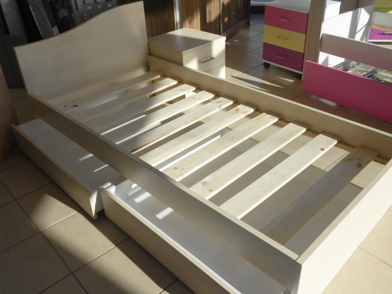 παιδικό κρεβάτι με δύο συρτάρια απο κάτω