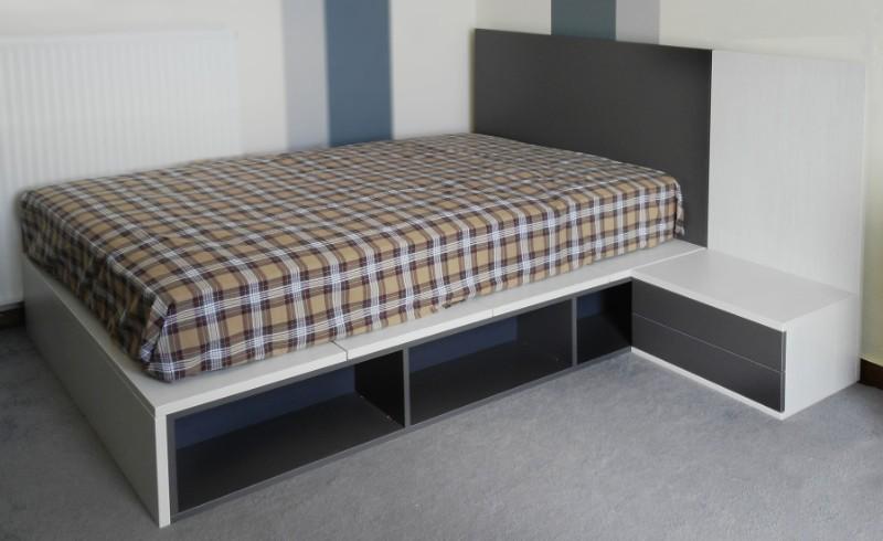 παιδικό κρεβάτι με θήκες και κομοδίνο γκρί λευκό