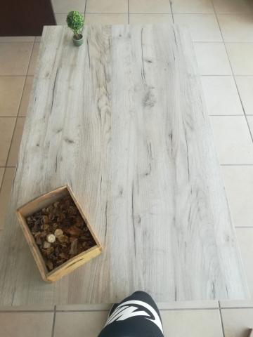 τραπεζαρία μελαμίνης με σιδερένια πόδια