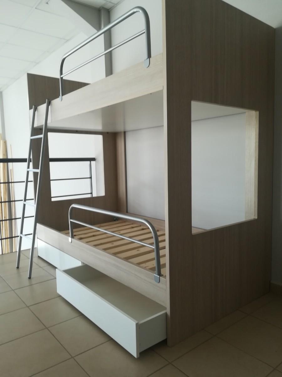παιδικό κρεβάτι κουκέτα με αποθηκευτικό χώρο συρτάρια και προστατευτικό κάγκελο