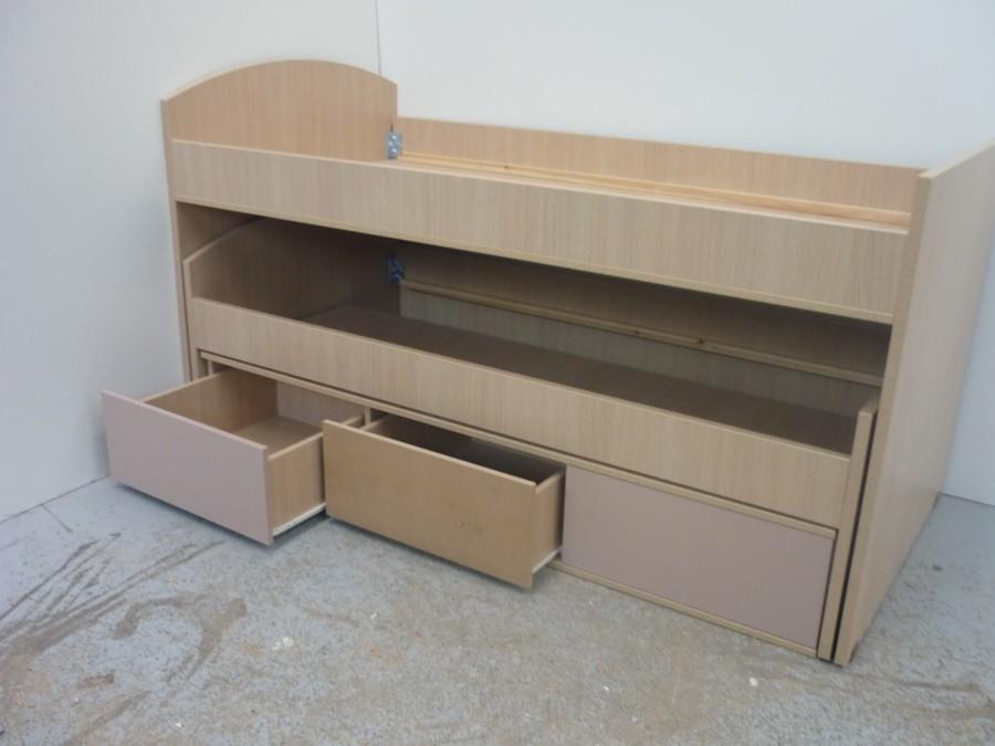παιδικό κρεβάτι με αποθηκευτικό χώρο και έξτρα αποσυνδεόμενο κρεβάτι