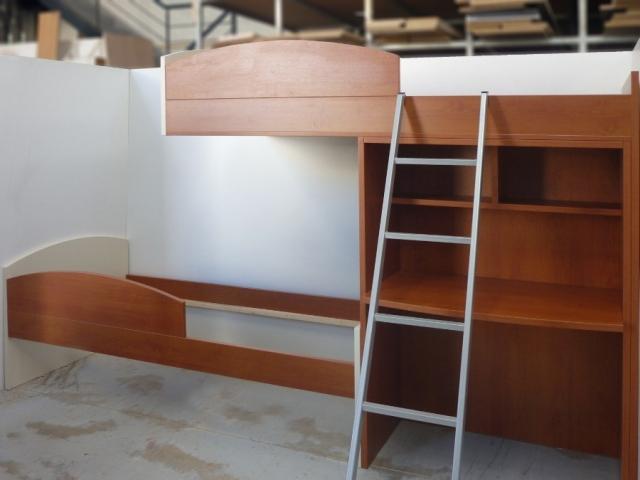 διώροφο παιδικό κρεβάτι με γραφείο