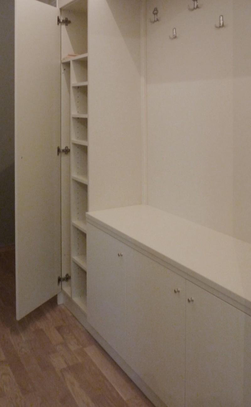 έπιπλο εισόδου μελαμίνης με αποθηκευτικό χώρο και κρεμάστρα