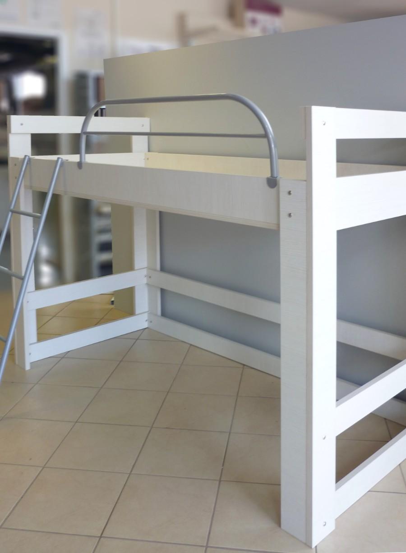 υπερυψωμένο παιδικό κρεβάτι λευκό