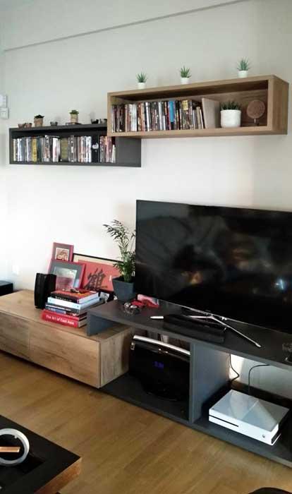 σύνθετο έπιπλο τηλεόρασης χαμηλό γκρι σκούρο με ανοιχτό καφέ και ασορτί ράφια