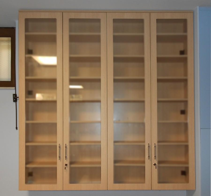 ειδική ξύλινη κατασκευή για αποθηκευτικό χώρο φαρμακείου