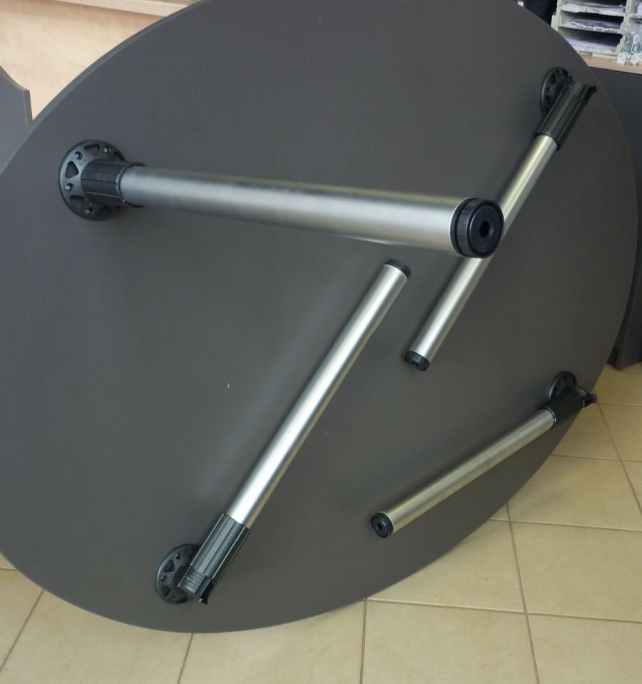οβάλ τραπέζι με σπαστά πόδια αλουμινιού