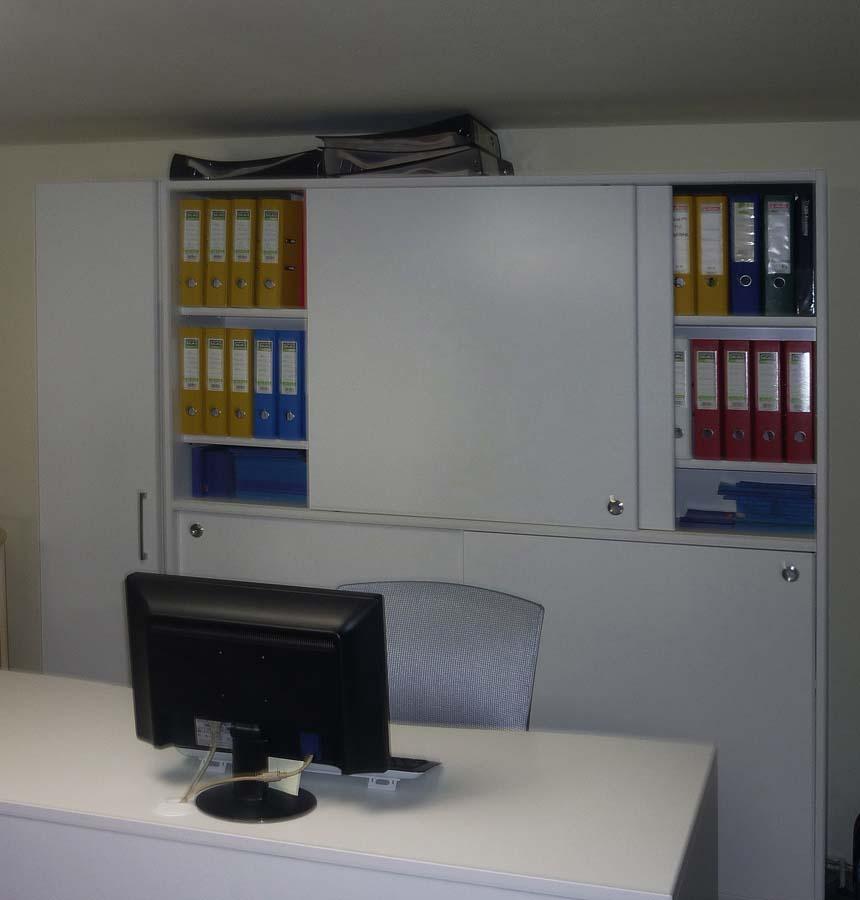 λογιστικό γραφείο με ντουλάπα για φακέλους