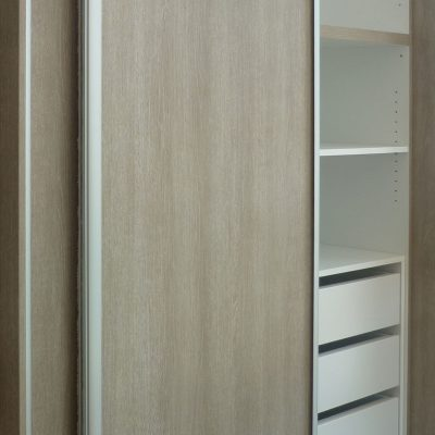 ντουλάπα συρόμενη τρίφυλλη